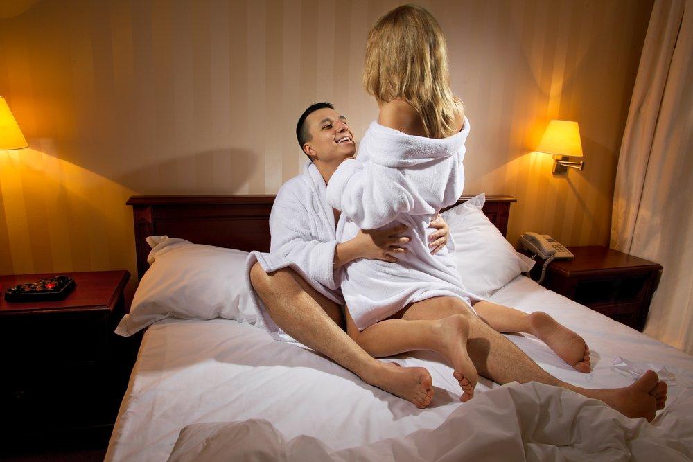 жену к другу в гостиницу ххх юнные